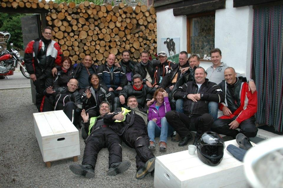 motorclub groepsfoto